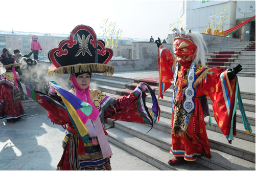 Buddhist Ritual Dance for Shagaa in Kyzyl, capital of Tuva. (found on Sib-infor.ru)