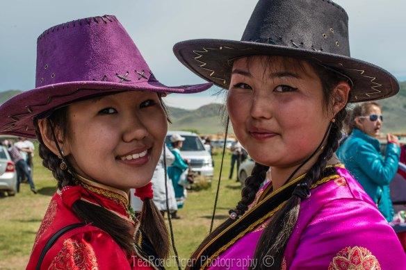 Nomadic cowgirls