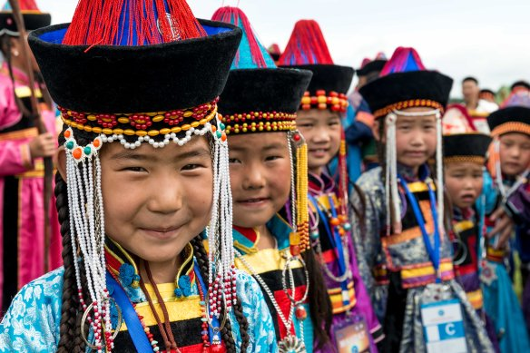 What can be cuter than a row of Khori Buryat girls? Answer: Not a ding dang thang!